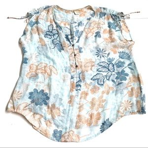 Lucky Brand Floral white blue blouse medium